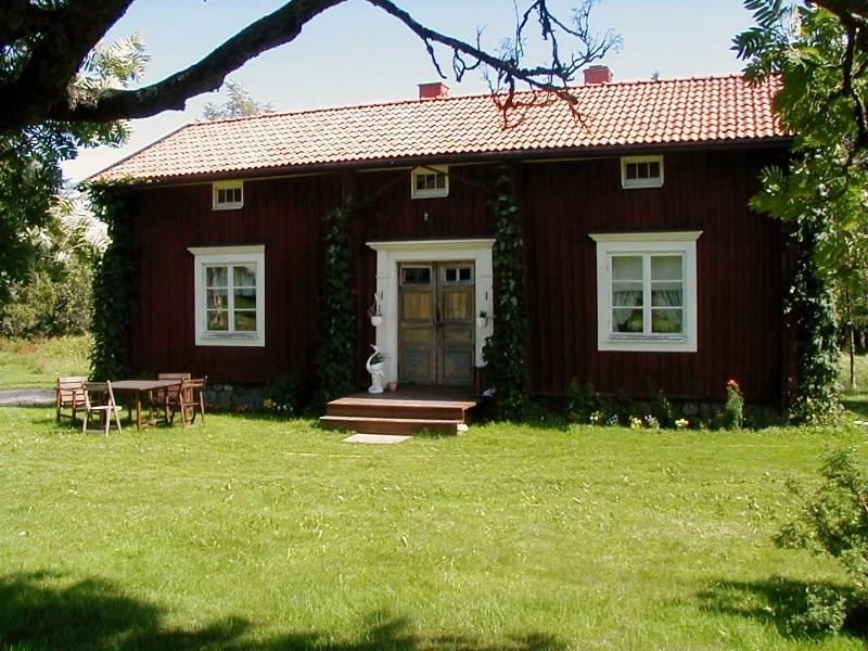 avan-bostroms-2