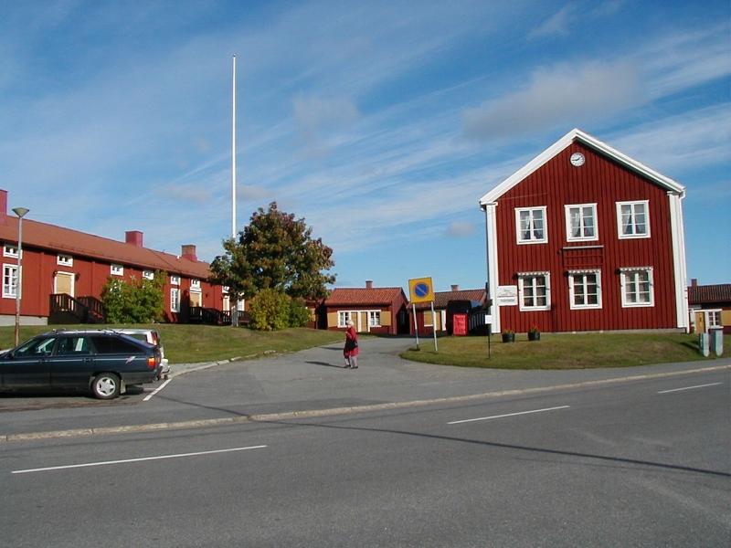 lovanger-kommunalhuset2