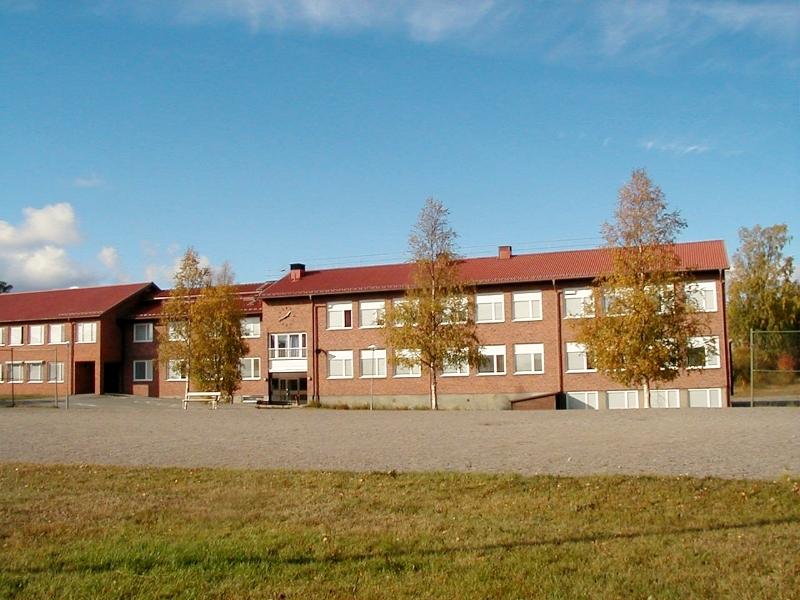 lovanger-skola2